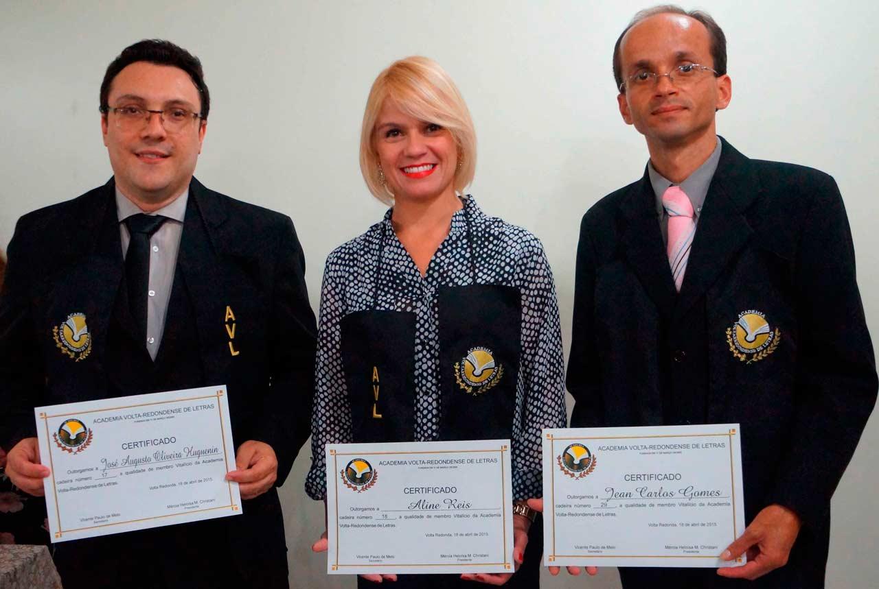 Cerimônia de Posse no GACEMSS II - Três novos acadêmicos da AVL